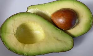 właściwości awokado, wpływ awokado na zdrowie, awokado a odchudzanie