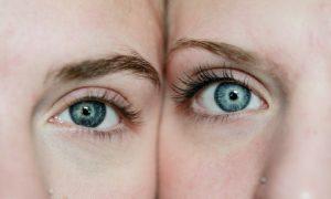 Niebieskie oczy, niebieska tęczówka, kolor oczu