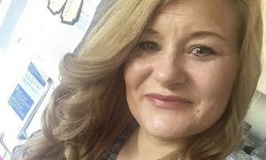 Emily Ervine, brzuch po ciąży, rozstępy po ciąży