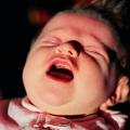 porzucony noworodek, porzucone dziecko, zła matka, nieodpowiedzialna matka