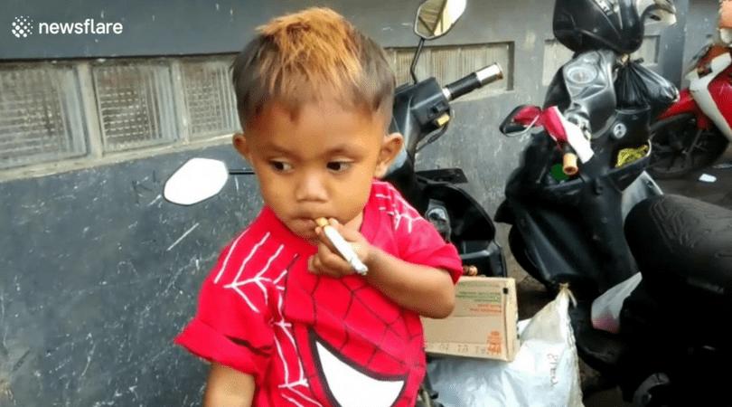 Rapi Ananda Pamungkas, pali 40 papierosów, nałóg tytoniowy, papierosy, dzieci a papierosy