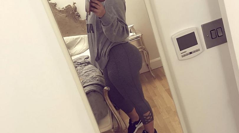 Amelle Berrabah, ciało po ciąży, brzuch po ciąży, figura po ciąży