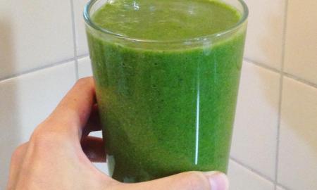 tłuszcz na brzuchu, płaski brzuch, napój na płaski brzuch, zielone smoothie