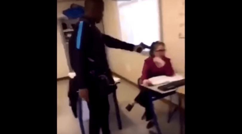 15-latek, celował bronią do nauczycielki celował w głowę nauczycielki