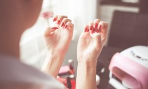 łamliwe i kruche paznokcie, pielęgnacja paznokci, jak zapuścić paznokcie