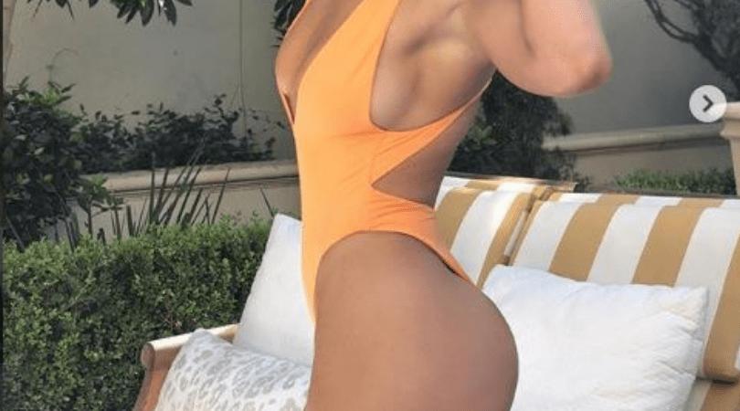 Jennifer Lopez, znana piosenkarka, szczupła sylwetka