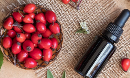 olej z dzikiej róży, kosmetyki naturalne, kosmetyki przeciwzmarszczkowe