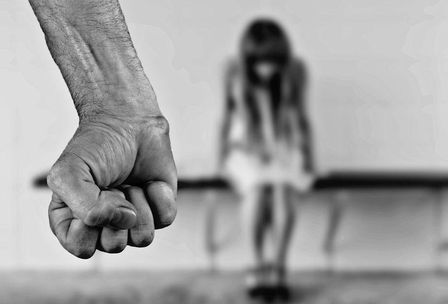 przemoc, przemoc fizyczna, przemoc psychiczna, bójka, kłótnie małżeńskie, znęcanie
