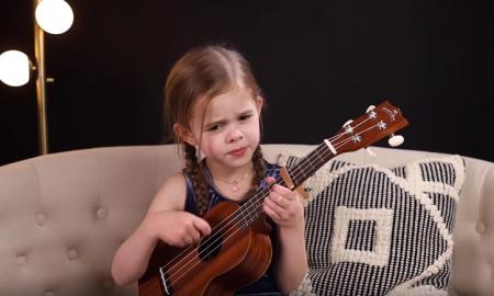 Claire Crosby, 6-latka śpiewa, Elvis Presley