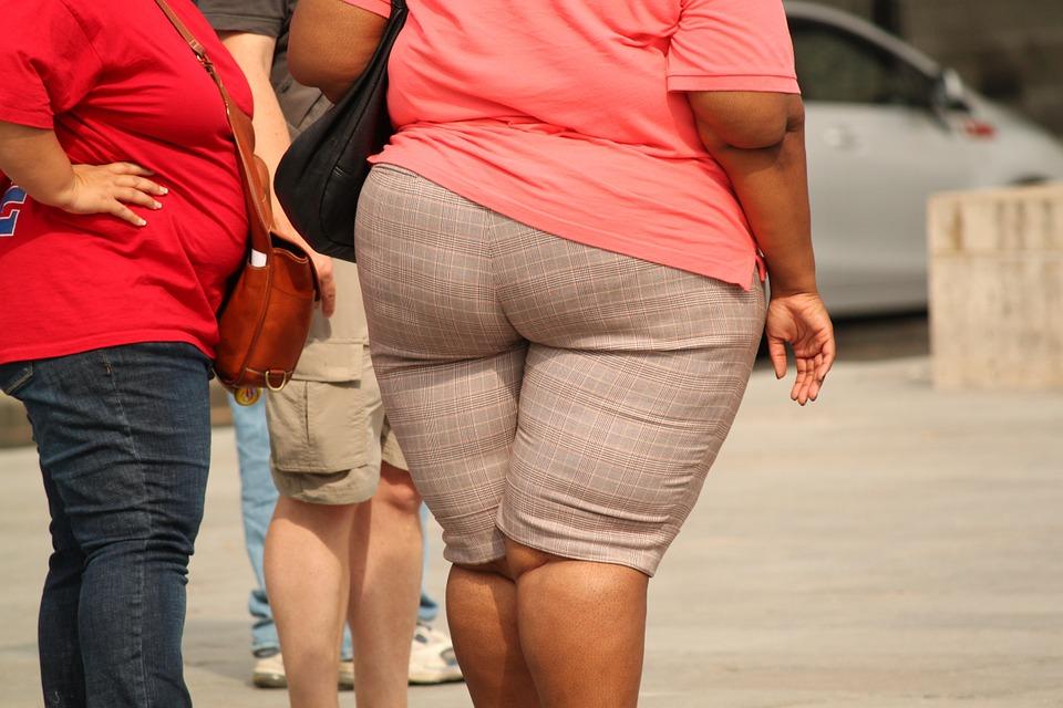 otyłości