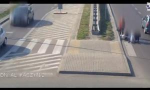75-letni kierowca potrącił nastolatki na pasach, wypadek, policja, policja lubelska, nagranie
