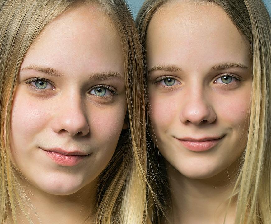 koronawirus a bliźnięta