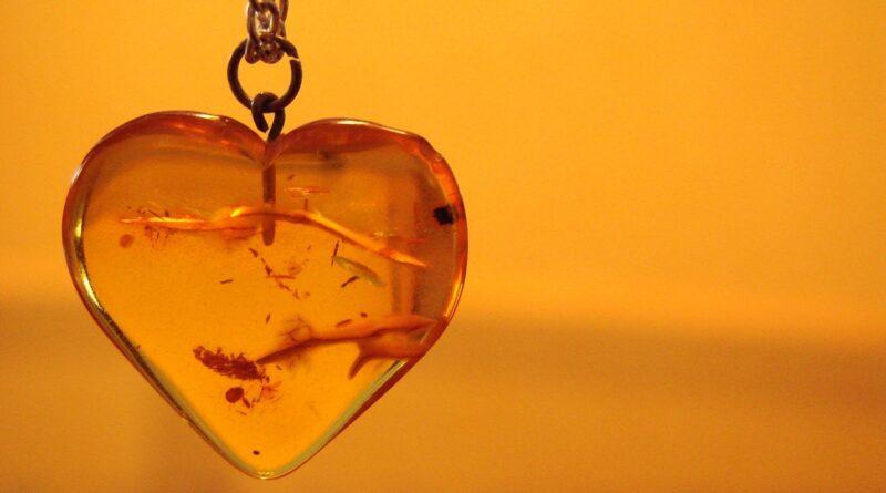 Właściwości lecznicze BURSZTYNU – zadbaj o odporność za pomocą złota północy!