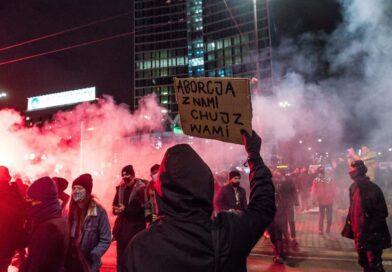 Ile Polek i Polaków naprawdę popiera Strajk Kobiet? Rzeczpospolita ujawniła dane!