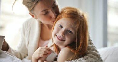 Sama wychowujesz córkę ? Zobacz co zrobić, żeby była szczęśliwa !